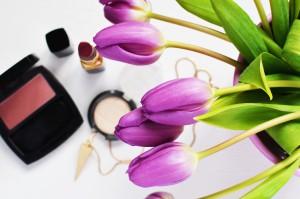 Auch Kosmetika kann allergieauslösende Pflanzenextrakte enthalten.
