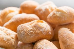 Unverträglichkeiten auf Gluten wie im Brot oder Histamin im Käse und Wein können in einem Bluttest ermittelt werden.