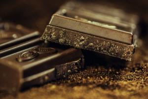 Wer unter einer Nahrungsmittelallergie leidet muss häufig auch auf Schokolade verzichten, denn sie enthält Kuhmilch.