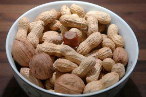 Walnüsse und Erdnüsse können bei einer Nussallergie schwere Symptome hervorrufen.