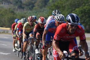 Spitzensportler haben ein erhöhtes Asthmarisiko aufgrund der langen Exposition asthmafördender Bedingungen.