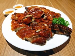 Bei dem China-Restaurant-Syndrom handelt es sich um eine Pseudoallergie auf den Geschmacksverstärker E 621. Hier gebratene Ente mit Saucen.