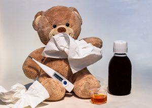 Eine Raumtemperatur von etwa 18 Grad und eine Luftfeuchtigkeit zwischen 45% und 55% ist für Allergiker optimal.