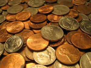 Modeschmuck enthält oft Nickel der auch in Münzgeld enthalten ist.