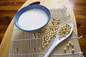 Ernährungshypochonder greifen gern zu Soja-Milch als Kuhmilch-Alternative.
