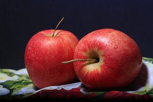 Eine Allergie kann auch nur auf bestimmte Apfelsorten bestehen und nicht auf Äpfel im Allgemeinen.