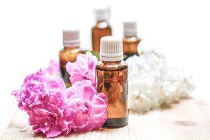 Etherische Öle können auch für entspannende Massagen genutzt werden.