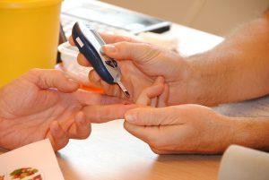 Ein Bluttest kann Hinweise auf eine mögliche Allergie geben.