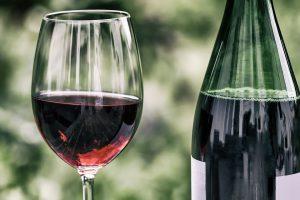 Histamin in Rotwein sollten Allergiker meiden.