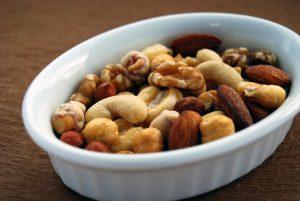 Eine Handvoll Nüsse ist die richtige Tagesration.