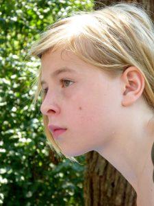 Melanome sind zu unterscheiden von gutartigen Muttermalen und Leberflecken.