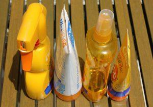 Hautpflege und Sonnenschutz sind wichtig um die Haut zu schützen.
