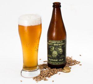 Gerste wird häufig auch in Bier verarbeitet.