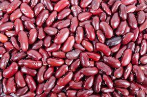 Hülsenfrüchte wie Bohnen werden gern zu Suppen, Eintöpfen etc. verarbeitet. Gekocht lösen sie seltener Allergien aus.