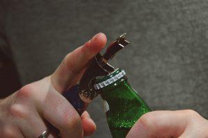 Kommt es zu Symptomen gilt es Bier bzw. bestimmte Sorten zu meiden.