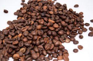 Eine Kaffee-Allergie richtet sich häufig gegen das enthaltene Koffein.
