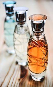 Duftstoffe in Parfüms können Allergien hervorrufen.