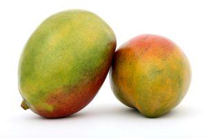 Bei einer Mangoallergie gilt es die exotische Frucht zu meiden.
