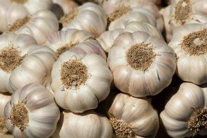 Bei einer Allergie gegen Knoblauch gilt es die Knolle zu meiden.