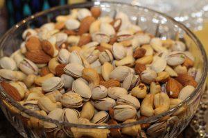 Liegt eine Allergie gegen Cashewkerne vor, können auch Pistazien aufgrund der Kreuzallergie zu allergischen Symptomen führen.