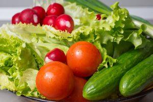 Frische Schlangengurken im Salat führen selten zu Allergien.