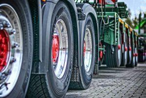 Eine IPPD-Allergie kann durch das dunkle Gummi von Reifen ausgelöst werden.