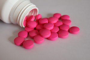 Schmerzmittel wie Ibuprofen können zu Allergien bzw. Unverträglichkeiten führen.