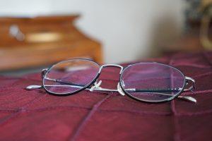 Bei Kontaktlinsen als Alternative zur Brille kann es zu allergischen Reaktionen kommen.