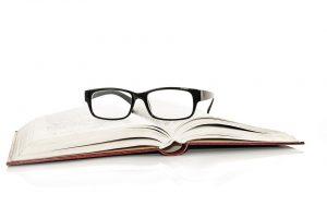 Die Materialien einer Brille können zu allergischen Symptomen führen.