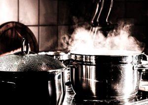 Für Allergiker sind nickelfreie Kochtöpfe wichtig.