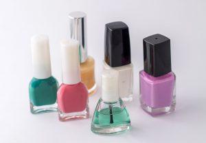 Konservierungsstoffe in Kosmetika können für Allergiker zum Problem werden.