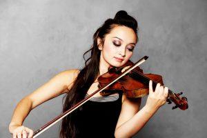 Allergien auf Musikinstrumente sind durchaus möglich durch den Hautkontakt mit allergenen Stoffen der Instrumente.