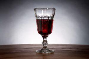 In Rotwein ist Histamin enthalten.