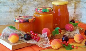 Geliermitteln in Konfitüren und Marmeladen können zu einer Verdickunsmittel-Allergie führen.