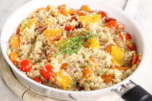 Quinoa kann zur Zubereitung von verschiedenen Speisen genutzt werden.