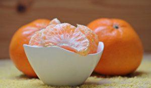 Wer an einer Vitamin-C-Allergie leidet sollte das Vitamin und auch Acorbinsäure möglichst meiden.